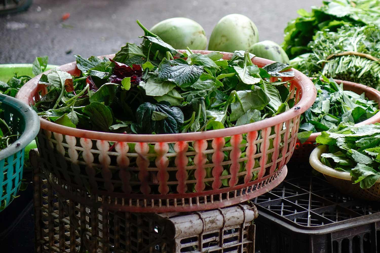 Vietnamese street vegetable markets